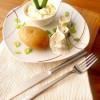 Rezept: Pellkartoffeln mit Sahne-Apfelmatjes und Leinölquark