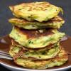 Rezept: Zucchinipuffer mit Kichererbsenmehl und Chili-Mayo Dip