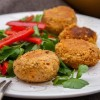 Rezept: Vegane Kichererbsenbällchen mit Paprika und Petersilie