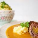 Rezept: Schlanke Rinderrouladen mit Gemüsesoße und Pastinaken-Püree