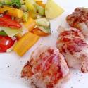 Rezept: Umwickelte Schweinemedaillons mit Ziegenfrischkäse