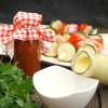 Rezept - Lieblingsgrillsoßen: Veganes Rhabarber-Ketchup und eine fruchtige Currysoße