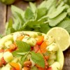 Salatglück-Freitag: Exotischer Obstsalat mit Minze-Ingwer-Limetten-Dressing