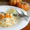 Rezept: Spaghetti mit gebackenem Butternut-Kürbis, Feta und Thymian-Zitronen-Sößchen