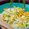 Rezept: Frischer Krautsalat mit Paprika und grüner Gurke
