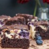 Rezept: Käsekuchen - Brownie mit Heidelbeeren und Schokolade