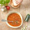 Rezept: Schweinegulasch mit Zucchini und Basilikum