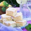 Rezept: Zitronen-Kuchen vom Blech aus dem Backbuch von Mama