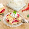 Rezept: #Restemädchen Streuseltartelettes mit Beerenmarmelade und Minzsahne