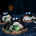 Rezepte: Fingerfood zu Halloween mit Eiweißbroten der Firma Mestemacher