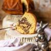 Eierlikör-Kuchen mit Quark und Schokostreuseln