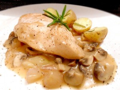 Rezept: Hähnchen auf Sherry-Champignon-Gemüse