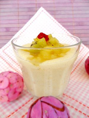 Rezept: Vanille-Karamell-Grießbrei mit Früchtekompott (ohne Zucker)
