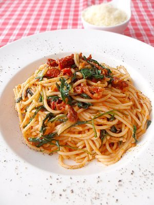 Schnelle Ruccola Spaghetti