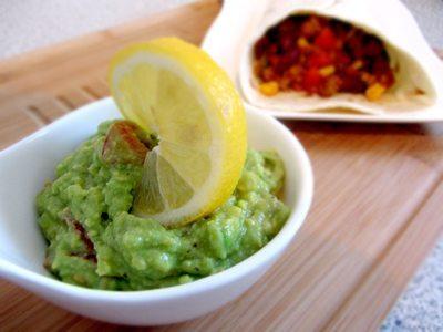 Rezept: Weizentortilla mit Chili con Carne und Guacamole