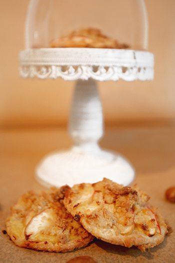 Rezept: Pudding-Tartelettes mit Äpfeln und Zimtstreuseln