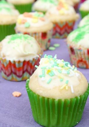 Rezept: Mini-Zitronen-Muffins mit weißer Schokolade