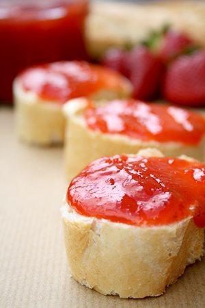 Rhabarber-Erdbeer-Marmelade mit Ingwer