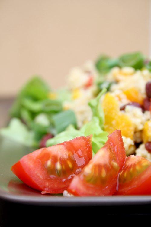 Salatglück-Freitag: sommerlich leichter Hirsesalat mit Paprika, Mais und Kidneybohnen