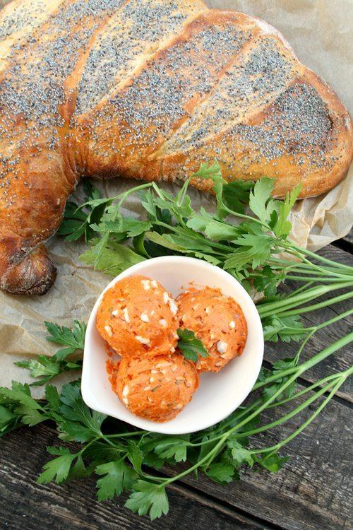 Tomatenbutter mit Ei