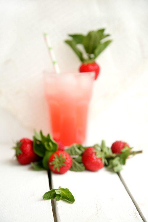 Rhabarber-Erdbeer-Brause-l