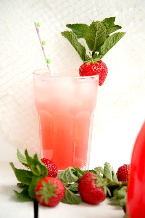 Rhabarber-Erdbeer-Brause2-l