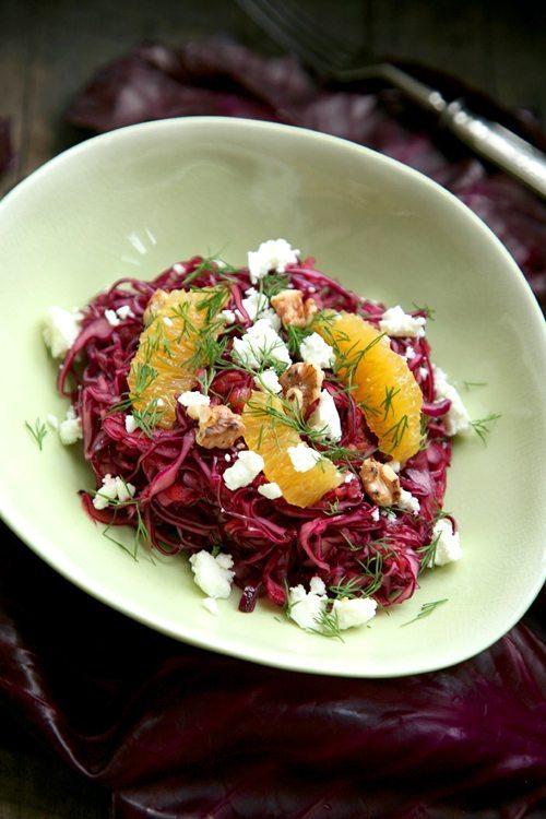 Rotkohlsalat-Apfeldressing-Feta-Dill