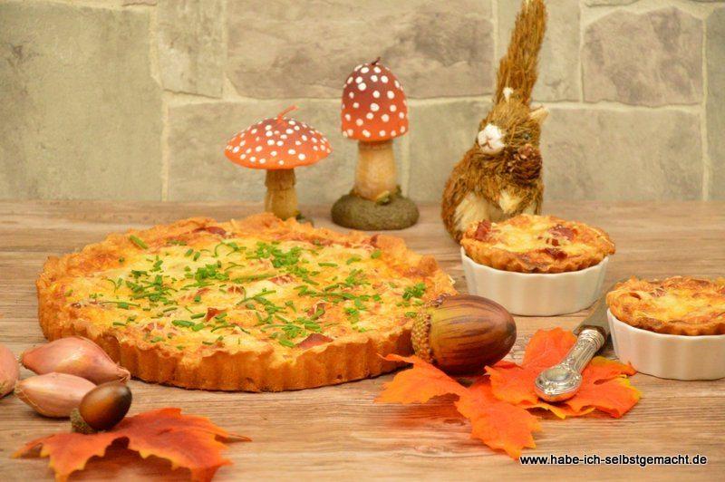 Zwiebelkuchen-mit-Gorgonzola-und-Parma-Schinken