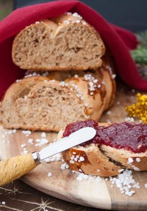 Rezept und Produkttest: Weihnachtlicher Hefezopf mit Zimt und meine neue Küchenmaschine (Werbung)