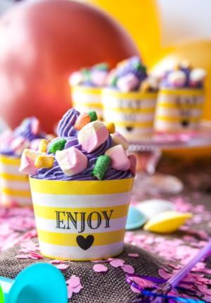 Rezept + Verlosung: Kunterbunte Brausepulver-Cupcakes zum Kindergeburtstag (Werbung)