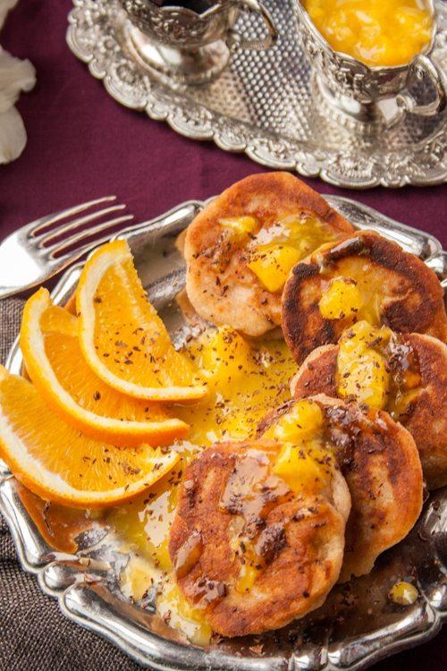 American Pancakes mit Ricotta und Orangensoße