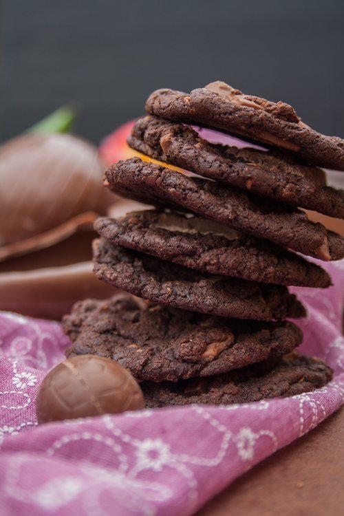 Triple Chocolate Cookies mit übrig gebliebenen Osterhasen