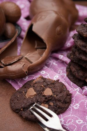 rezept triple chocolate cookies zur osterhasen resteverwertung. Black Bedroom Furniture Sets. Home Design Ideas