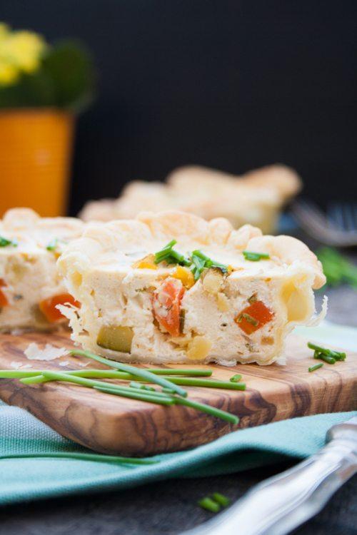 Blätterteig-Muffins mit buntem Gemüse und Zucchini Feta von Exquisa