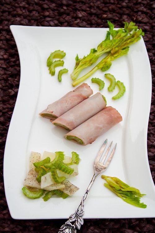 Schinkenröllchen mit zweierlei Selleriesalat