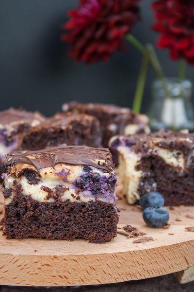 Blaubeer-Cheesecake-Brownies