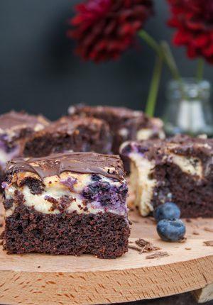 Rezept: Käsekuchen – Brownie mit Heidelbeeren und Schokolade