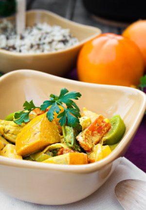 Rezept: Fruchtiges Curry mit Kokosmilch, Hähnchen und Persimon®