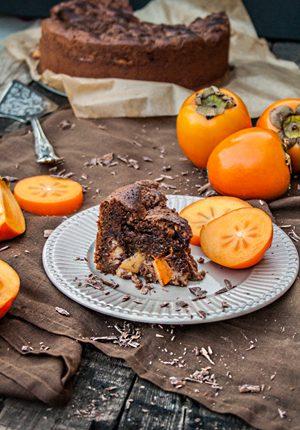 Rezept: Schoko-Brownies-Kuchen mit Schokoladenstreuseln und Kakis