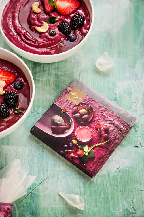 Berry-Smoothie-Bowl-Avocado