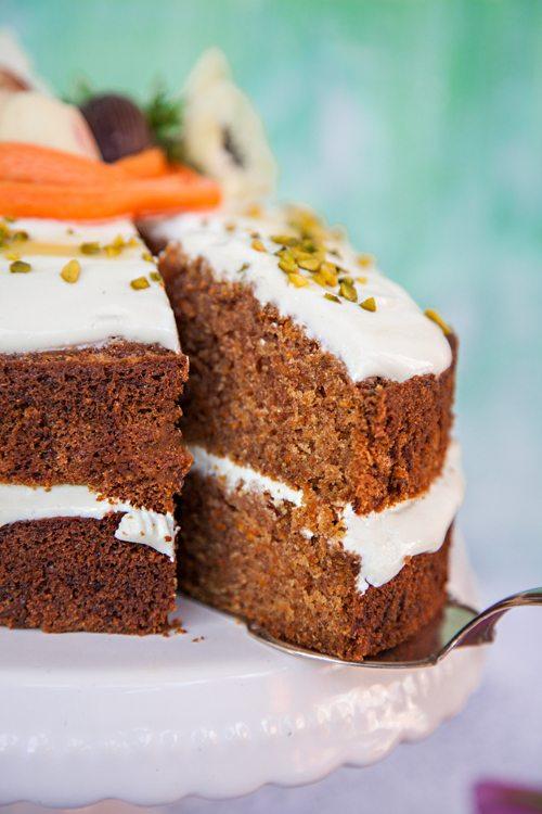 Dinkel-Möhren-Torte mit Quark-Frosting
