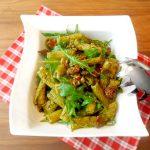 Salate zum Grillen Italienischer Nudelsalat mit getrockneten Tomaten, Rucola und Pesto