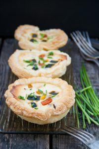 Fingefood Blätterteig Muffins mit buntem Gemüse