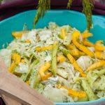 Salate zum Grillen Frischer Krautsalat mit Paprika und grüner Gurke