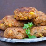 Fingerfood Vegane Reisbällchen mit Curry und Mais