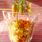 Lachstartar mit Gewürzgurke und Dill