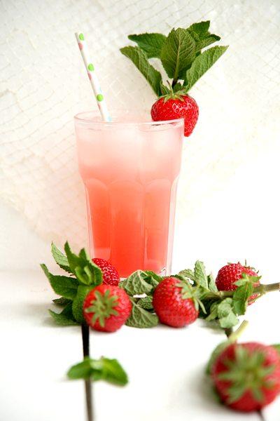 Rhabarber-Erdbeer-Brause