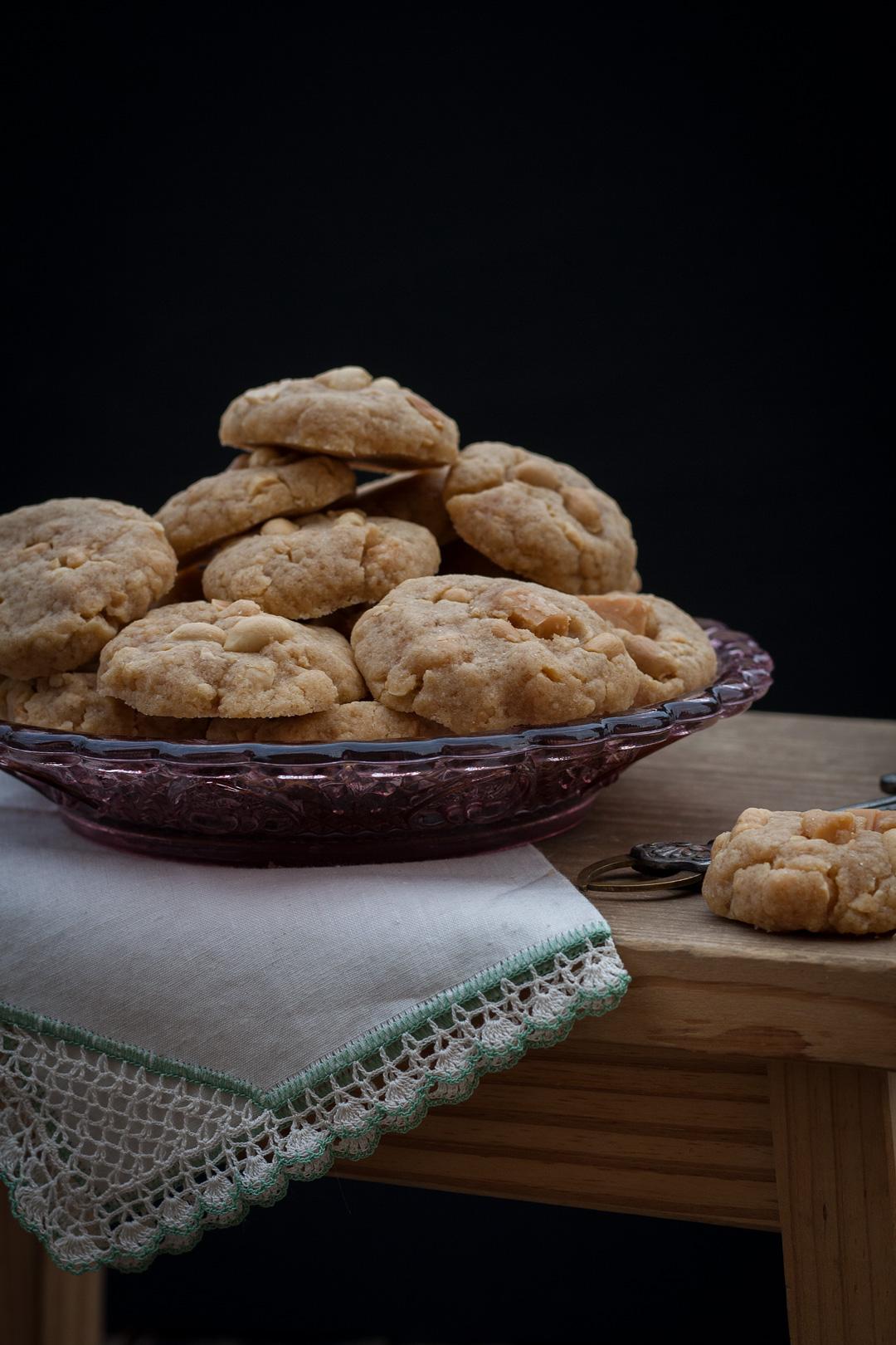 rezept schnelle kekse mit ganzen erdn ssen und karamell. Black Bedroom Furniture Sets. Home Design Ideas