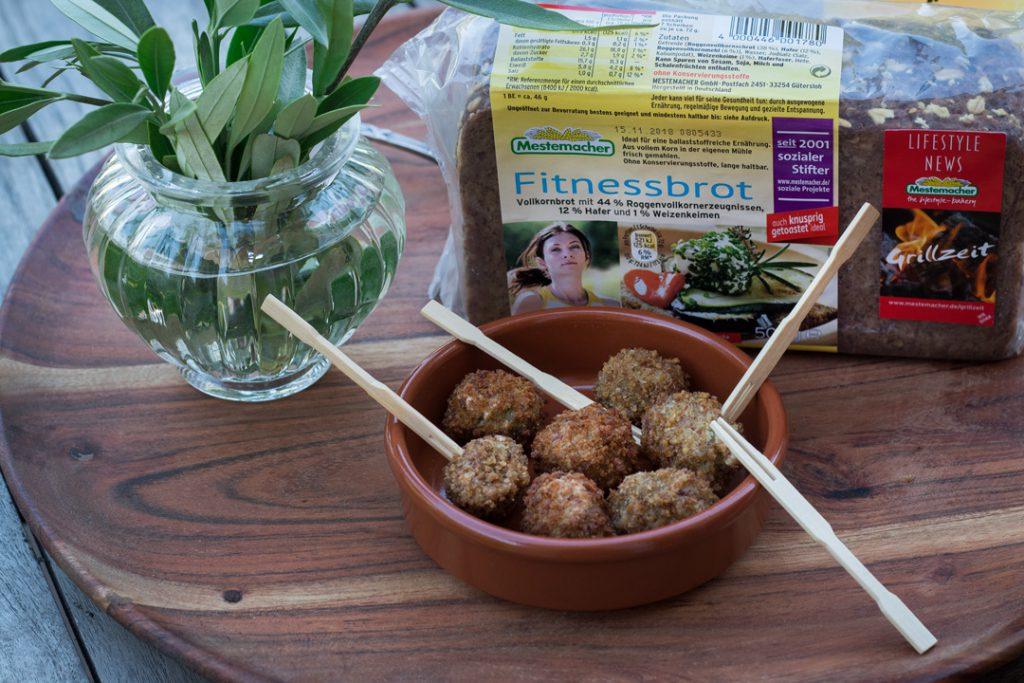 Tapas selber machen, frittierte Oliven mit Fitnessbrotmantel