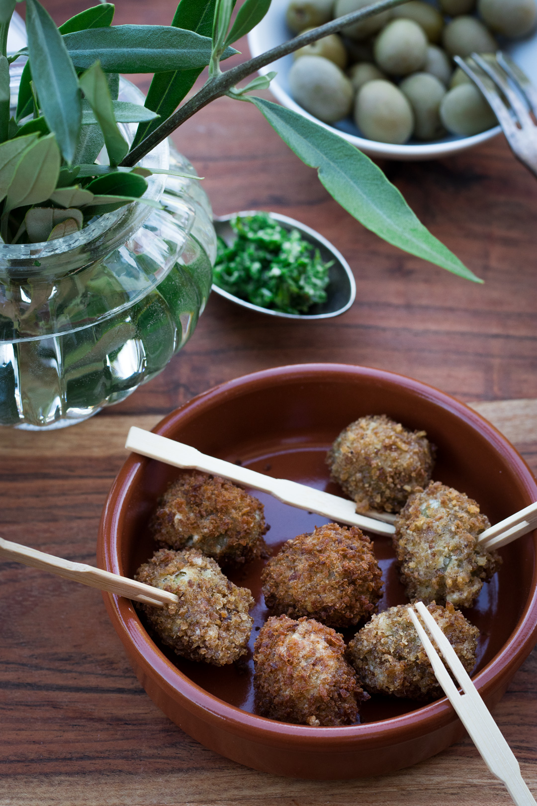 Frittiert Oliven mit Fitnessbrotpanade